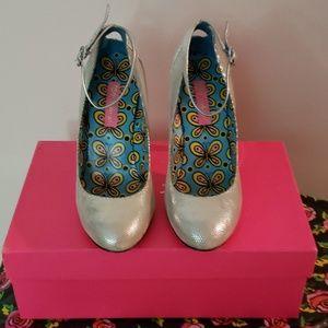 Betsey Johnson Cierra silver round toe heel.
